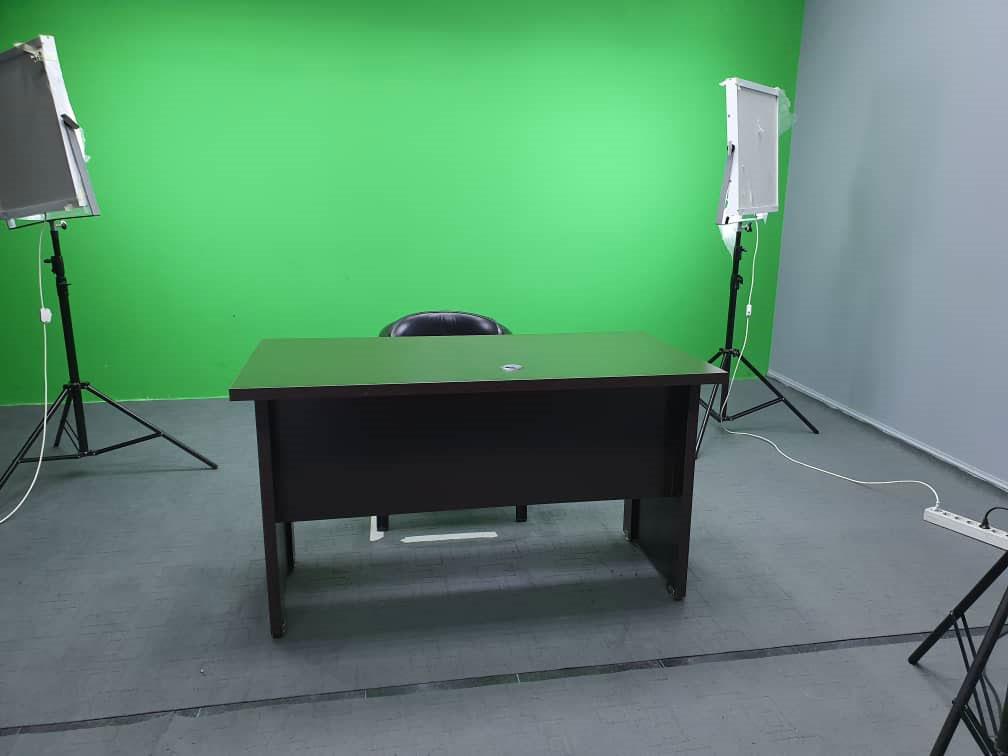 تجهیزات استودیو کروماکی